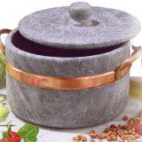 Oala din piatra si cupru, lucrata manual, pentru mancaruri cu o savoare deosebita