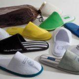 Papuci camera, diferite modele si culori, cu varful decupat sau deschis, se pot personaliza prin brodare