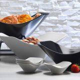 Scoop Bowls   set boluri pentru bufet, mari pentru expunere si mici pentru servire, finisaj portelan alb sau negru
